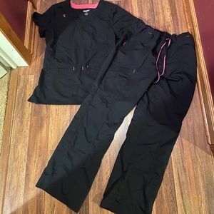 Black and pink scrub set